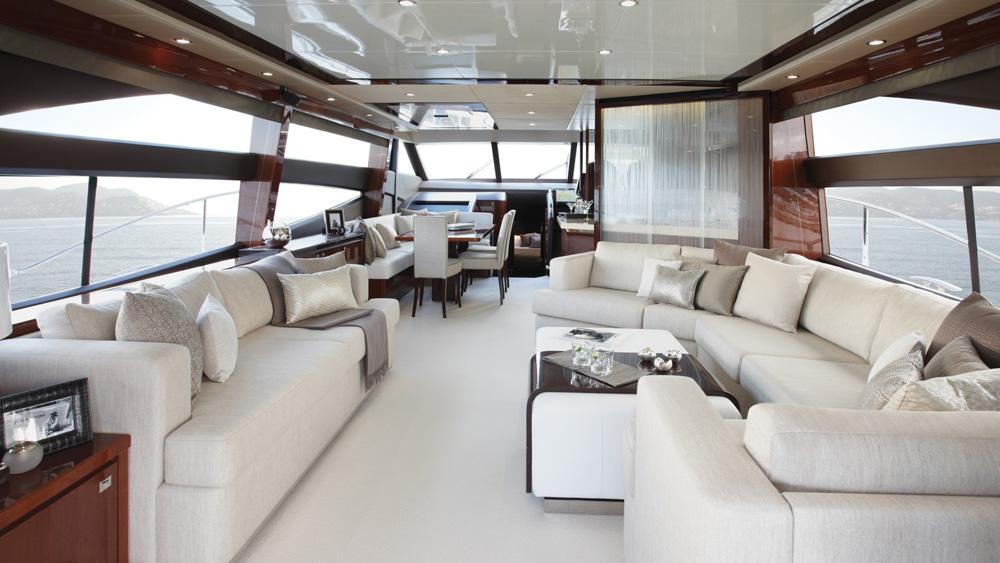pratelli-verniciatura-il-colore-sullo-yacht
