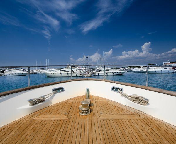 verniciatura yacht lusso